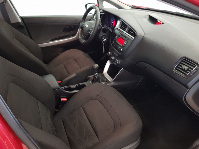 KIA CEED  1.4 CVVT 100cv Drive 5p. for sale in Malaga - Image 8