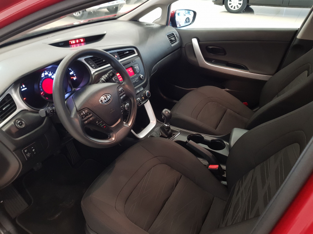 KIA CEED  1.4 CVVT 100cv Drive 5p. for sale in Malaga - Image 9
