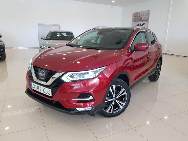 NISSAN QASHQAI 1.5 dCi NCONNECTA 5p. for sale in Malaga - Image 2