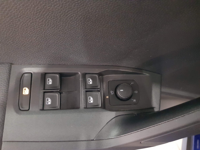 SEAT ARONA 1.0 TSI 70kW 95CV Style Ecomotive for sale in Malaga - Image 10