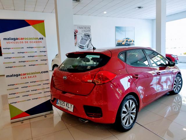 KIA CEED  1.4 CVVT 100cv Drive 5p. de ocasión en Málaga - Foto 2