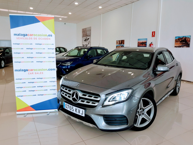 MERCEDES BENZ GLA  180 AMG AUT for sale in Malaga - Image 2