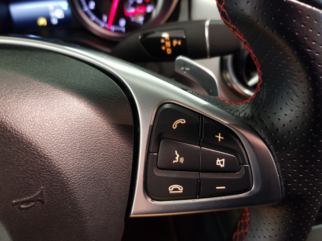 MERCEDES BENZ GLA  180 AMG AUT for sale in Malaga - Image 13