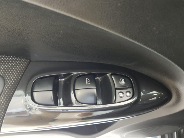 NISSAN JUKE  1.5 dCi NCONNECTA 4X2 5p. for sale in Malaga - Image 10