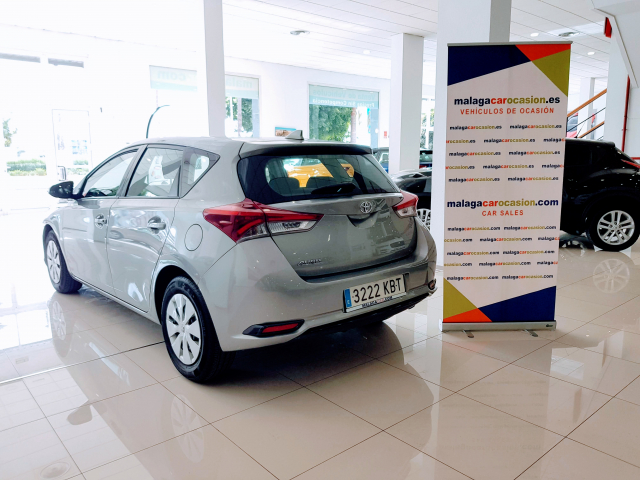 TOYOTA AURIS  1.4 90D Business 5p. for sale in Malaga - Image 3