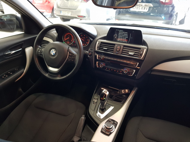 BMW SERIE 1  116d 5p. for sale in Malaga - Image 7