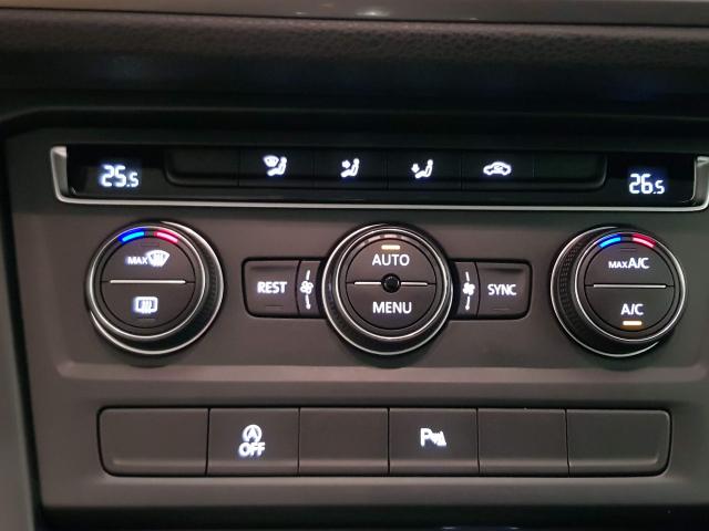 VOLKSWAGEN TOURAN  Edition 1.6 TDI CR 115CV BMT DSG 5p. for sale in Malaga - Image 14