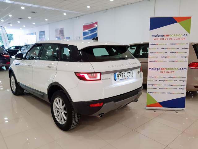 LAND-ROVER RANGE ROVER EVOQUE  2.2L TD4 150CV 4x4 Pure Auto. 5p. for sale in Malaga - Image 3