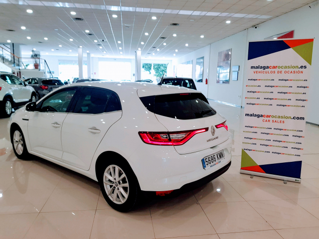 RENAULT MEGANE Mégane TECH ROAD Energy TCe 74kW 100CV 5p. for sale in Malaga - Image 3