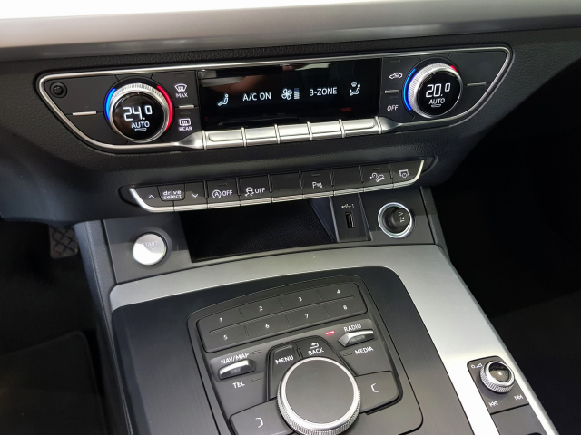 AUDI Q5  2.0 TDI 120kW 163CV quattro S tronic 5p. for sale in Malaga - Image 8