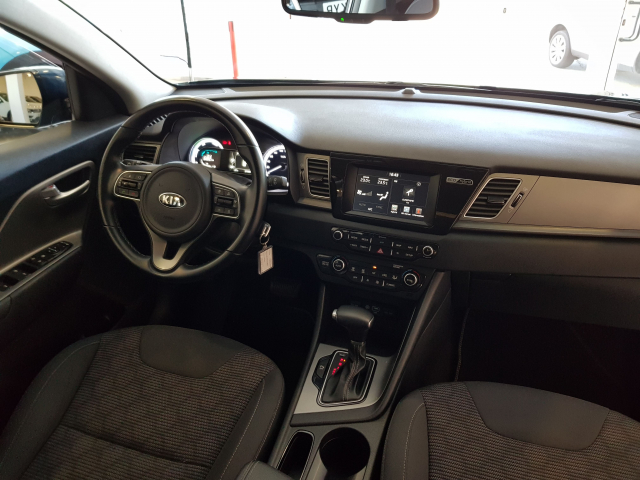 KIA NIRO PHEV 1.6 GDi PHEV 104kW 141CV Drive for sale in Malaga - Image 7