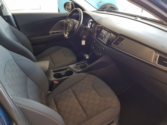 KIA NIRO PHEV 1.6 GDi PHEV 104kW 141CV Drive for sale in Malaga - Image 8