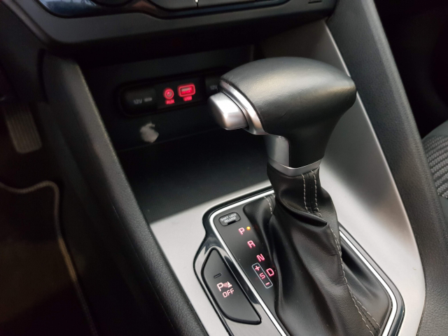 KIA NIRO PHEV 1.6 GDi PHEV 104kW 141CV Drive for sale in Malaga - Image 14