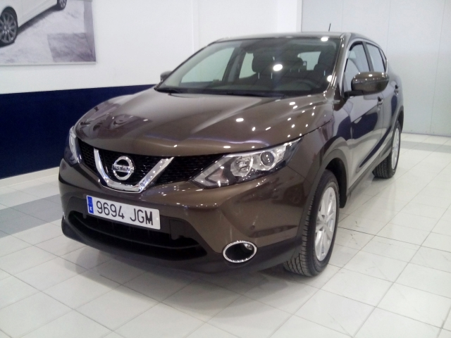 Nissan Qashqai  1.5dci Ss Acenta 4x2 Sensores Aparc 5p. de ocasión en Málaga - Foto 1